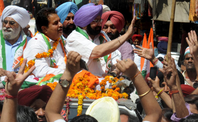 "Congress storms into power in Punjab, Capt promises to ""wipe out"" drug menace in 4 weeks"
