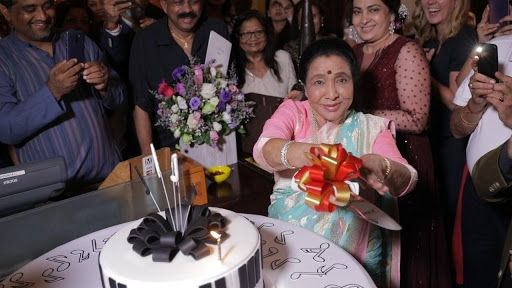 On her birthday, Asha Bhosle Tweets Justin Trudeau's Wishes From 2018