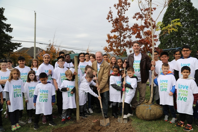 Seven hundred school children lead park beautification event to wrap-up Love Where you Live Campaign