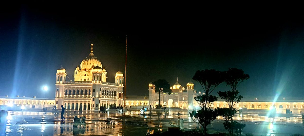 Pakistan PM Imran Khan posts dazzling photos of Kartarpur Gurdwara complex